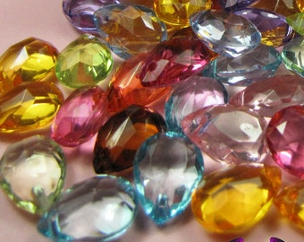 Faceted PEAR DROP Bright Mix Acrylic Pendants / Beads 18x13mm ( 25 pieces )