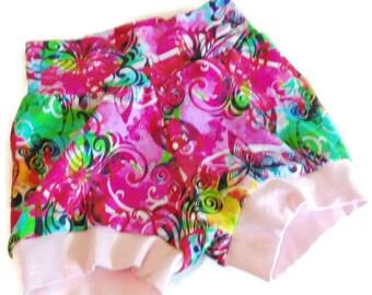 Fleurs Short bébé, manchette Short, Short enfant en bas âge, le short Bloomer, Shorts 6/12 mois - prêt à expédier