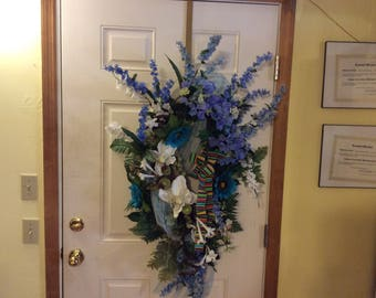 All occasions wreath with magnolias