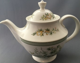 Royal Doulton Tonkin T.C.1107 Large 2,1/2 Pint Teapot.