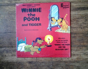1968 Songs about Winnie the Pooh and Tigger, Vinyl Record Album DQ-1317. NM/NM.  Disneyland Records.