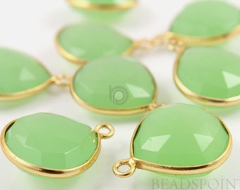 Natural Green Chalcedony, Bezel Heart Shape Gemstone Component, Gold Vermeil ,  20mm, 1 Piece, (BZC7010)
