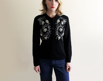 vintage sweater cardigan womens clothing beaded pearl black 1960s silver floral design size medium m