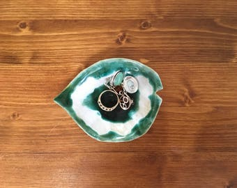 Green and White Leaf Shaped Jewelry Dish, Green Ceramic Dish, Green Trinket Dish, Ring Holder, Handmade Ceramic Dish