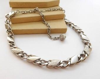 Vintage Unsigned Mod Mid-Century Floral Link Silver Tone Choker Necklace E2