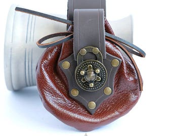 Brown leather Bristol pouch by Crimson Chain leatherworks - SCA Larp Renactment Garb Costume