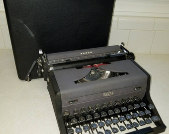 Beautiful Mid Century Royal Arrow Typewriter with Glass D keys Working
