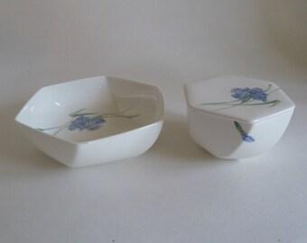 Mother's Day Gift/Blue IrisTrinket box Decorative dish/Bone China Iris Bowl/Christopher Stuart Covered box/Iris Y1519/Candy Nut dish