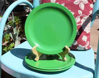 1970's Vintage Texas Ware - Set of Three ( 3 ) Kelly Green 10 Inch Dinner Plates - Excellent Used Condition