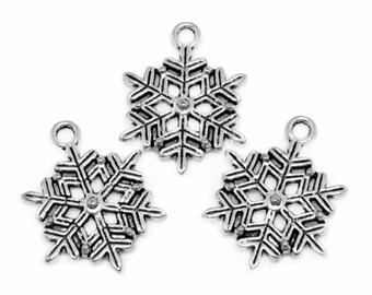Silver Charms : 10 Antique Silver Snowflake Charms   Frozen Snowflake Winter Pendants 22x19mm -- Lead, Nickel & Cadmium free 12765.C27