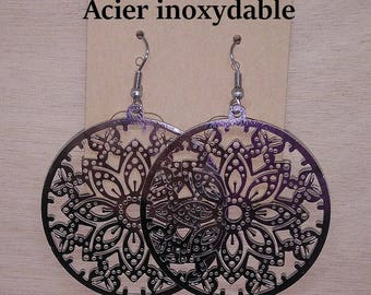 1 pair of round stainless steel butterfly earrings
