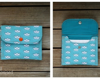 Sanitary pads holder - Paper boats