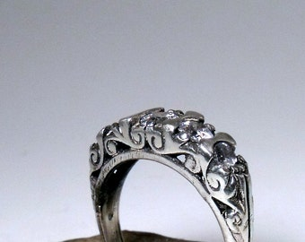 Sterling Silver Antique Style ring with Cubic Zirconia RF040