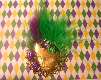 Hand Painted Mardi Gras  Face Mask Pin. Green and Purple. Magnetic Clasp