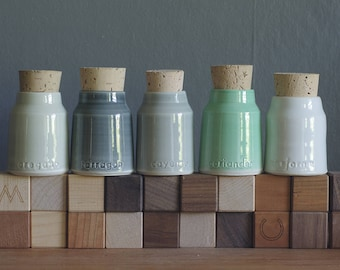 5 custom spice bottles. pottery jar with custom words. modern handmade pottery bottle. Various colors available