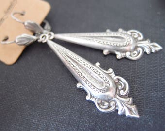Vintage oxidized silver brass French art nouveau dangle earrings