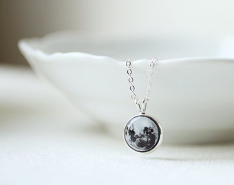 Full Moon Petite Necklace - Astronomy jewelry - Moon Jewelry - Space Pendant - Planet Necklace - Short Necklace