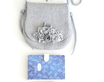 Felt handbag, ready to ship, felt wool purse, last minute gift, bridesmade purse, messenger shoulder bag, cross body  bag, felted handbag
