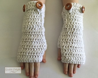 Charmed Gauntlets - fingerless gloves with pockets perfect for fall and winter