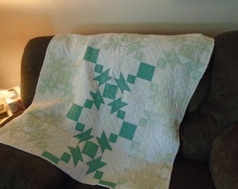 Vintag gender neutral baby, crib quilt, blanket in greens and white, hand quilted / patchwork baby throw quilt for boys or girls