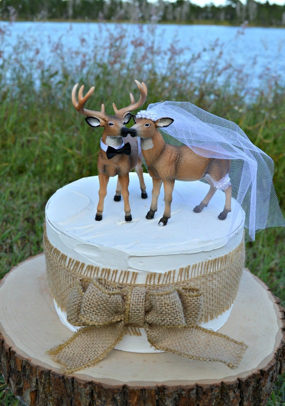 deer hunter wedding cake topper doe and buck cake topper deer wedding cake topper 13442