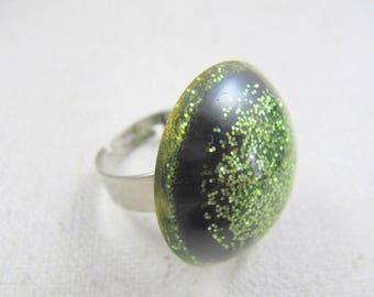 Resin ring 25mm lime green glitter