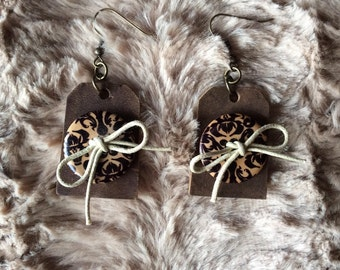 """Upcycled floral button earrings """"buttons & bows"""