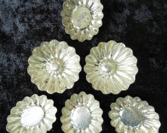 Moulds French vintage originally for petits fours or sweets. A lot of 14. Now for decoration and / or creative purposes