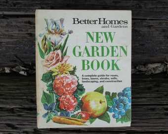 New Garden Book 1968 Better Homes and Gardens Binder Style First Printing New Edition Vintage