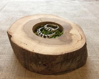 Ring Bearer Pillow Alternative, Oak Wood Slice, Woodland Wedding, Moss Ring Bearer Pillow, Country Wedding, Ring Bearer, Rustic Wood