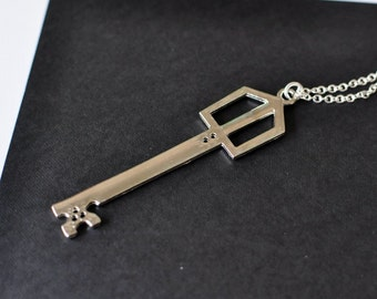 Metal Chocobo - Kingdom Hearts Keyblade necklace