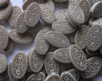 Off White and Gold Oval Acrylic Beads 21mm 14 Beads
