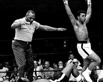 Muhammad Ali Knocks Out Sonny Liston in Lewiston, Maine 1965 - 8X10 Photo (ZY-141)