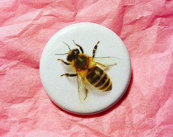 Bee button / Honey bee button / Save the bees button / Protect the bees / Insect button