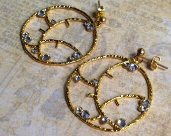 Retro inspired gold statement hoop earrings