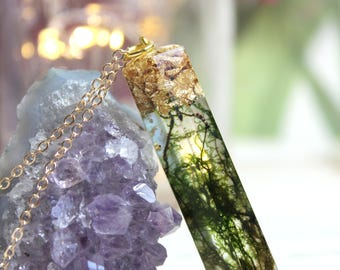 Real Moss Jewelry, Crystal Resin Pendant, Moss Specimen, Moss Necklace, Terrarium Pendant, Terrarium Jewelry, Plants in resin, Green Witch