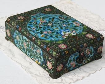 Chinese cloisonne box silver wire enamel sign