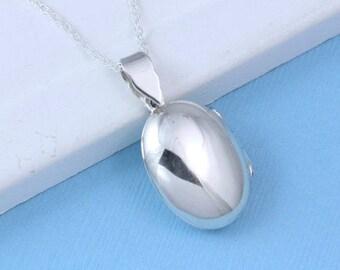 Locket Necklace -sterling silver Medium Locket, Sterling oval locket necklace. Two pictures Silver Locket. Grandma gift . Medium Size-R-10