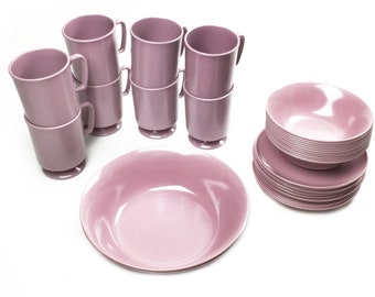 Vintage mid century pink Texas Ware melamine / melmac dining set: 37 pieces
