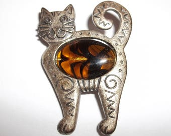 Vintage Brooch Costume Jewelry Kitty Cat Silver Pewter Brown and Black Cabachon Belly Marked 27 MM Kitten Kat Collector Pin Tack wvluckygirl