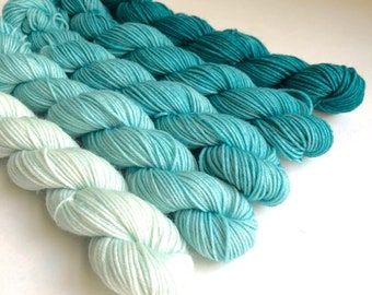 Teal Gradient Yarn Set