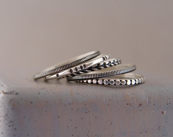 Set of stacking rings.Sterling silver stacking rings.Skinny silver stacking rings.Stackable rings.set of 5 rings.Textured rings.
