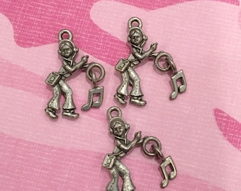 Girl W/ Tunes - 4 pieces-(Antique Pewter Silver Finish)