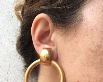 Vintage of the 80's golden metal circle clip earrings