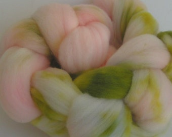 Roving Fiber Top Wool PEONY on Columbia wool Hand Painted Spin Craft Pink Green 4 ounces