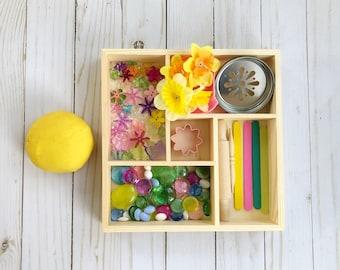 Spring Play Dough Tinker Tray / Play Dough Kit / Spring Toys / Playdough Kit / Homemade Play Dough / Tinker Tray / Loose Parts