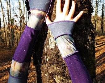 Patchwork of cotton and recycled jersey blue and purple fingerless gloves!
