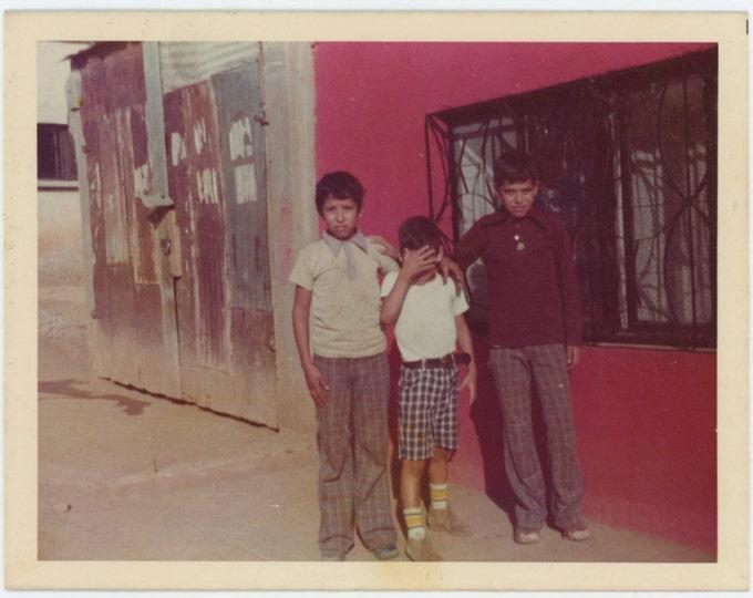 Vintage Snapshot Photo: Three Boys, Pink Wall, c1970s (612528)