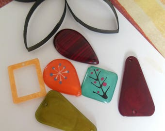 set of 6 plastic pendant