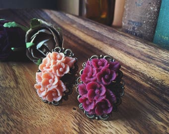 Choose One: Burgandy Wine or Peachy Cream, Bouquet, Filigree Antique Brass Adjustable Rings